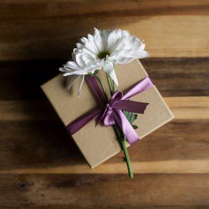 box-purple-bow